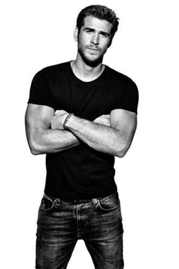 Liam Hemsworth3